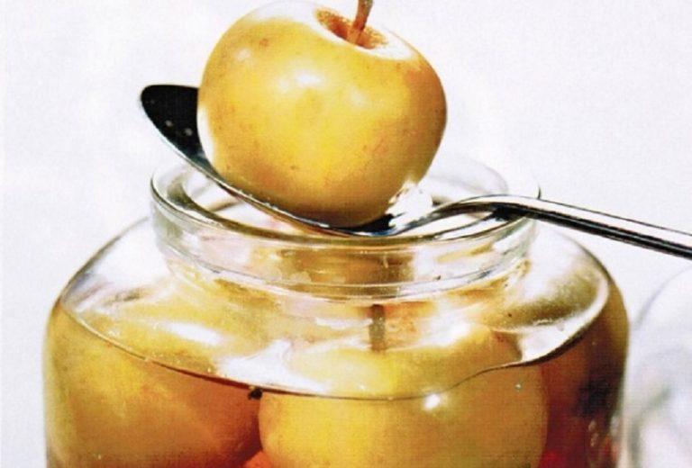 Яблоки моченые кислые