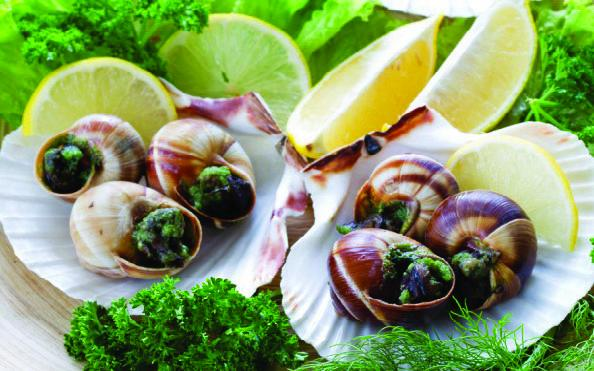 Бургундські равлики (Escargots de Bourgogne) з зеленим маслом