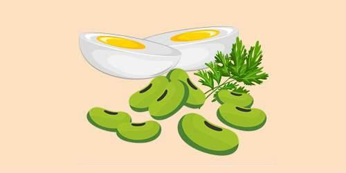 мололді боби з яйцями та петрушкою