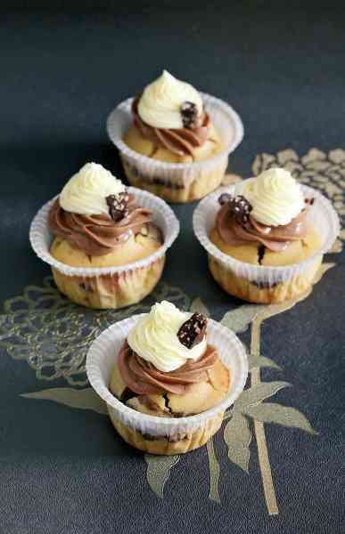 подвійні мафіни з кремом шоколад-ваніль