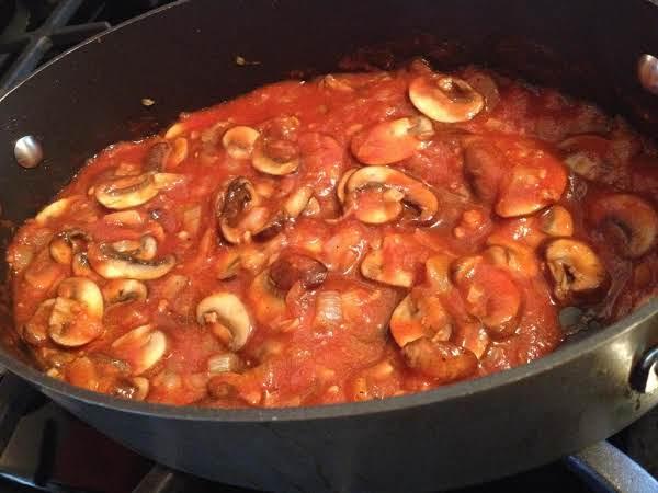 Гриби у томаті