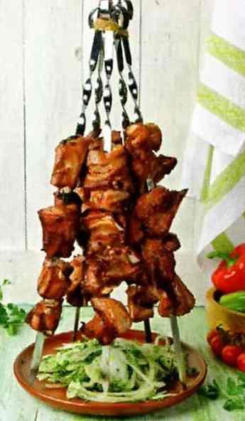 Шашлик зі свинини, марнованної в яблуках