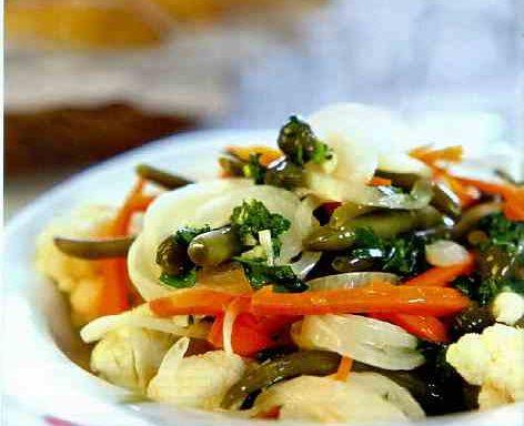 Салат італійський з цвітною капустою