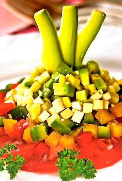 Салат з авокадо «Вітамінна фантазія»