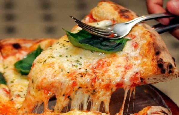Піца по-неаполітанськи з рибним філе