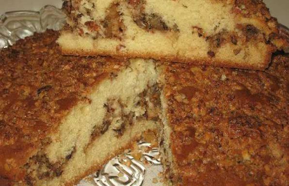 Пиріг бісквітний з волоськими горіхами