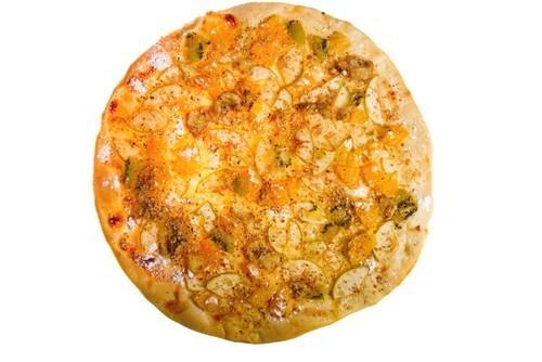 Піца з копченою рибою