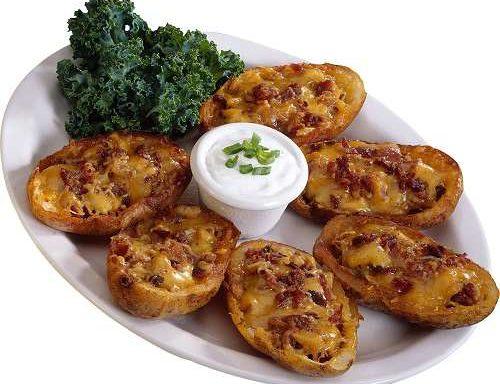 Картопля, фарширована ковбасою