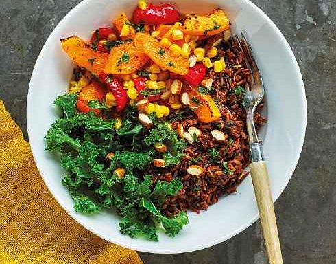 Рис червоний і гарбуз запечений із м'ятно-мигдалевою заправкою