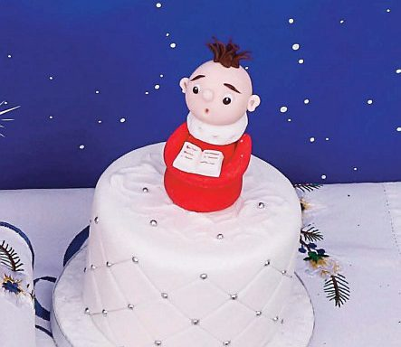 Торт різдвяний швидкий «Хлопчик-хорист»