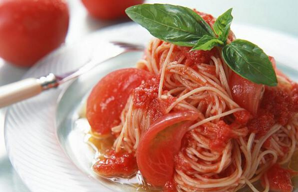Паста з томатами