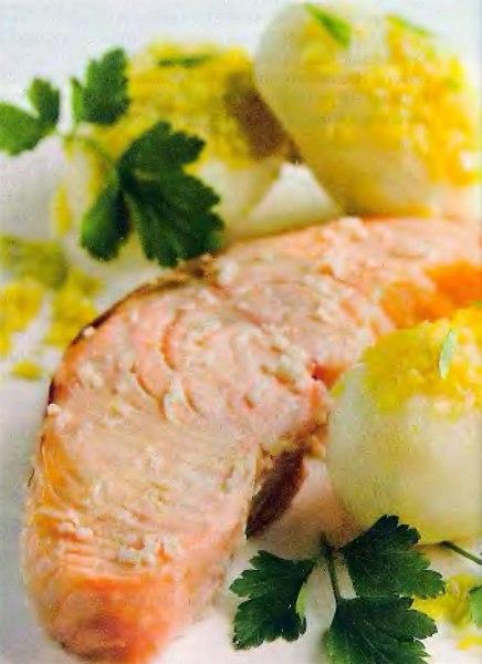 Філе лосося з картоплею молодою