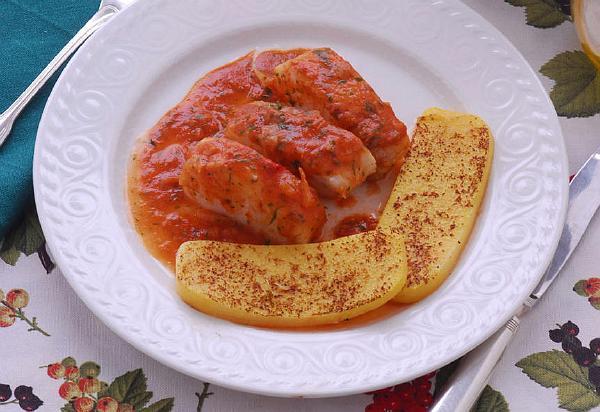 Окунь у соусі томатному